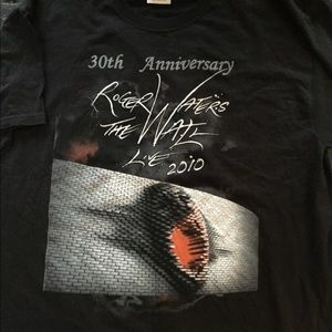 Roger waters the wall tour .2010